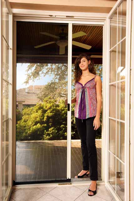 Attirant Pleated Sheer Retractable Screens